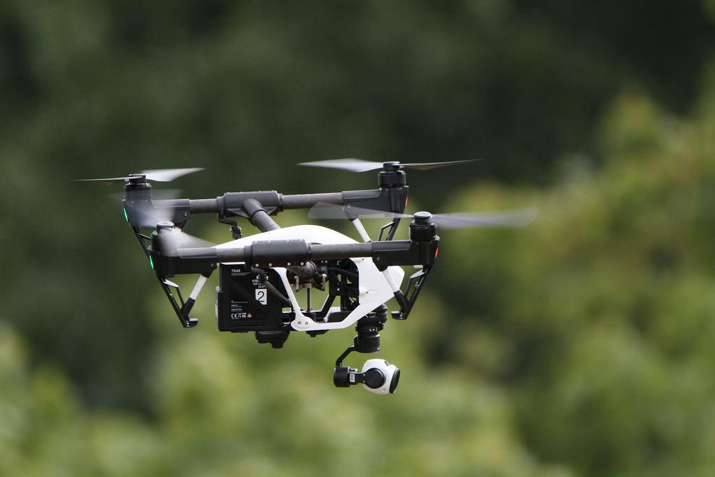 DJI Drone Bangun Toko Retail di Indonesia