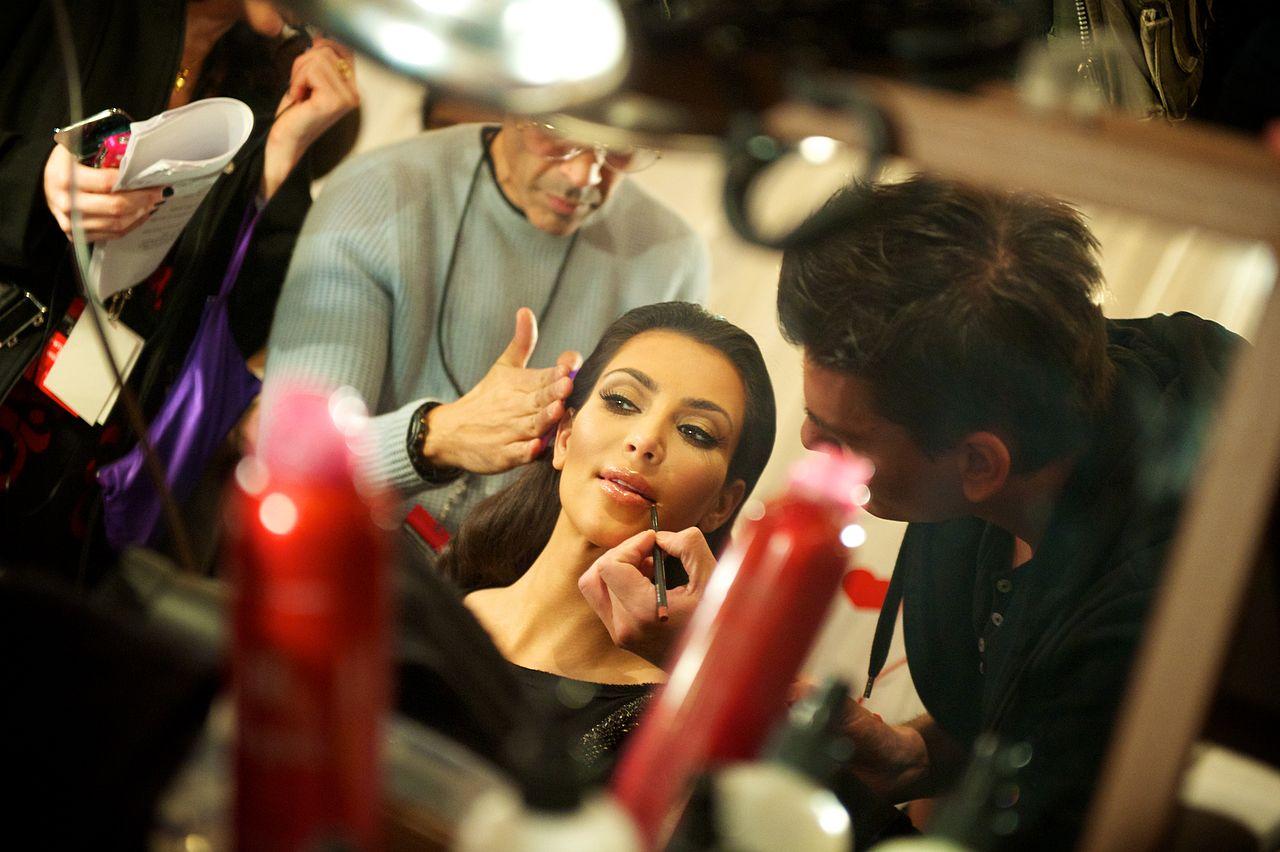 Kim Kardashian Kembali Main Sosial Media